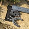 Porte-clefs pince multi-fonction • 5x3 cm