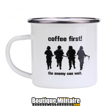 Tasse en émail Coffee First